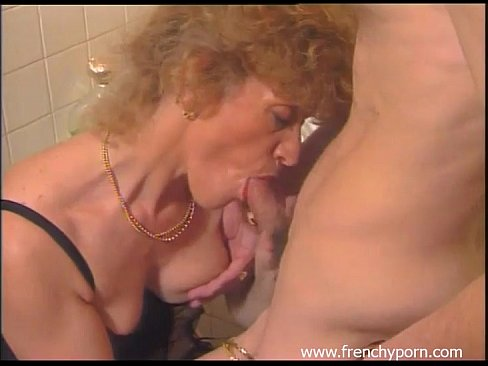 amature milf naked and bent over